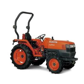 Effectuer des travaux au jardin avec un micro tracteur