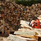 tronçonneuse bois, couper bûche, couper bois, comment utiliser tronçonneuse, couper tronc